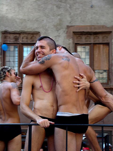Homosexuelle in Russland - Mischen - jetztde